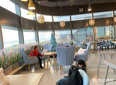 园区丰隆汇城市生活广场190方咖啡厅转让