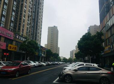 吴江盛泽国贸中心230平方精装修火爆餐饮店转让