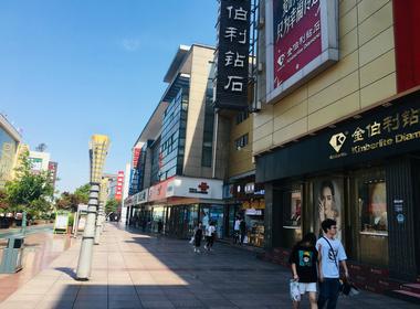 常熟方塔步行街中心300平餐饮店转让